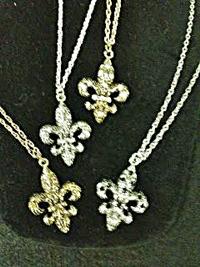 Special Fleur de Lis Necklace Textured